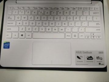 asus-eeepad-x205ta-keypad