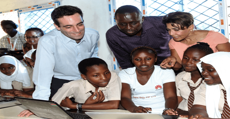 Huawei donates computers to support the Digital Literacy Programme