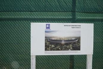 Das Bauschild vom neuen Apple Park