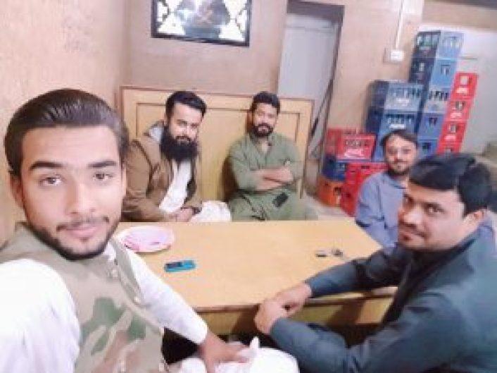 Naeem Javid - Tech Urdu - at Pizza Point Quetta 20171021_194343