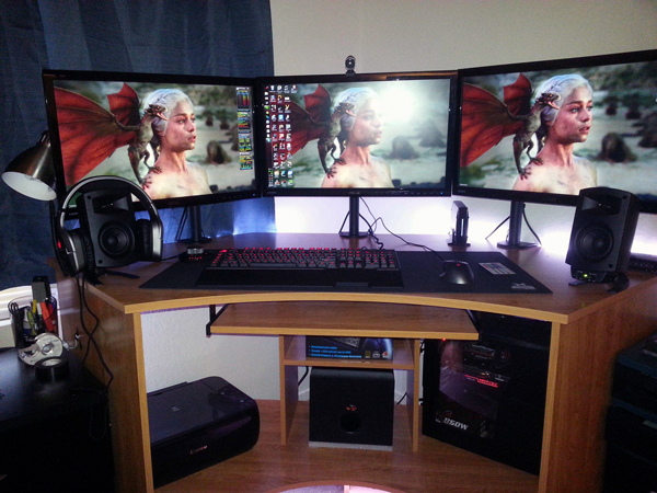 multi-monitor-gaming-setup-(6)