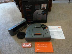 新しい掃除ロボット「Neato XV-11」を使ってみた【GetRobo影木准子】