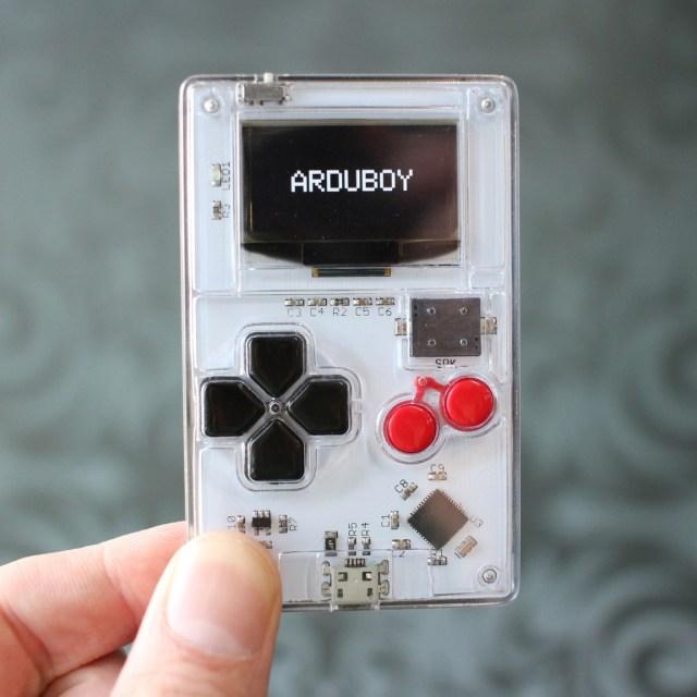 ARDUBOY – カードサイズの8ビット携帯ゲーム機 、49ドルで本日発売【@maskin】