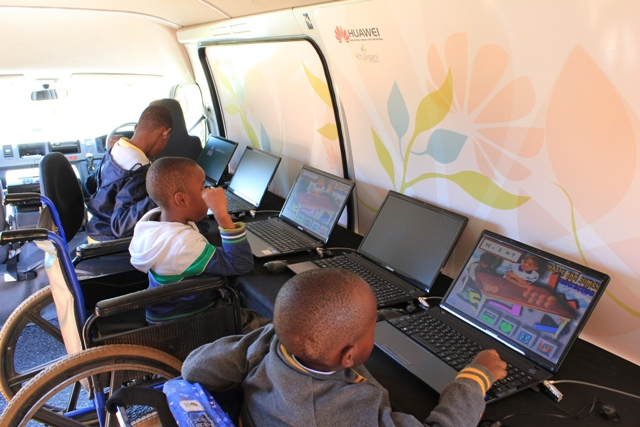 Students on the mobile ICT unit