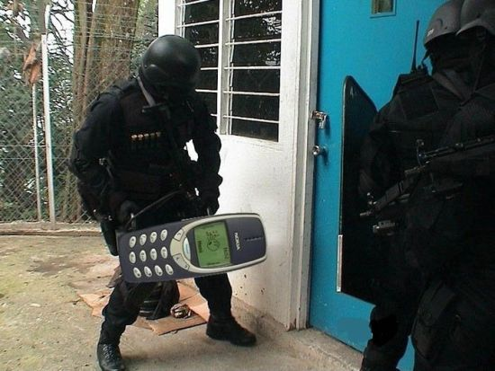 indestructible-nokia-3310-SWAT-team