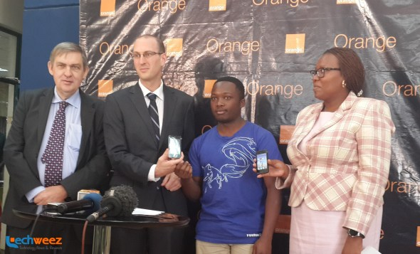 Orange Kenya CEO Vincent Lobry joins his Chief Marketing Officer Vincent Camadro, the local Mozilla community lead Alex Wafula and the Devices Manager Virginia Waruingi