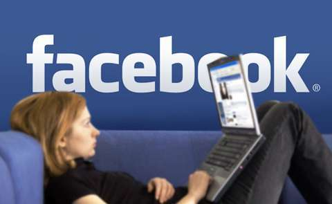 facebook girl laptop