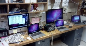 Computing desk