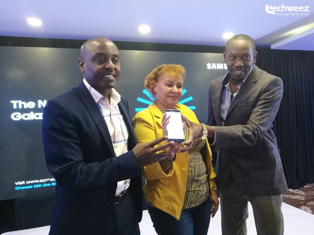 Samsung Electronics East Africa Mobile Business Lead Simon Kariithi shows off the Galaxy Note 5 in Nairobi.