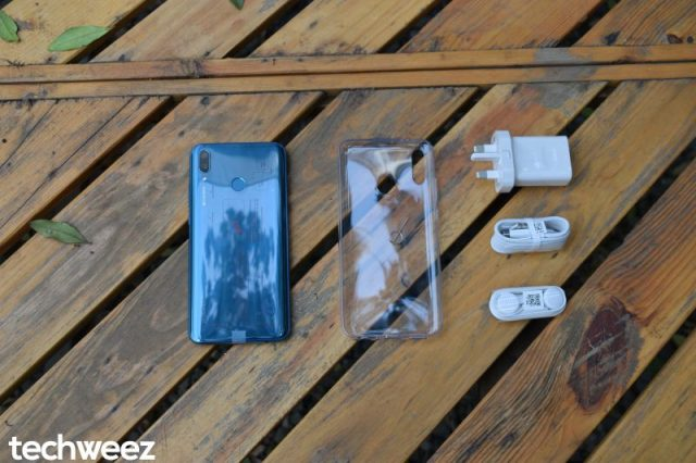 Huawei Y9 2019 unboxed
