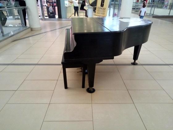 piano shot Lava Z81
