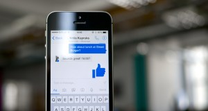 facebook adding chats back to main app
