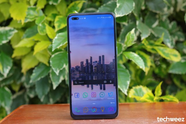 OPPO Reno 4 screen