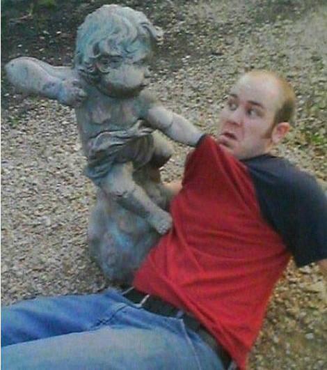 Menino da murro no homem fotos engraçadas