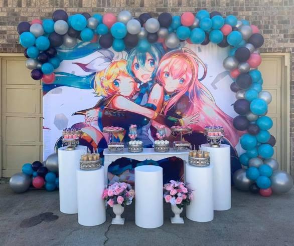 Decoração do tema de aniversario da Hatsune Miku birthday