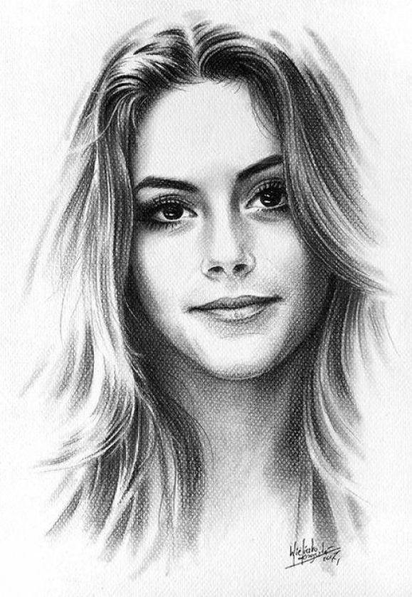 Desenhos realista de mulheres