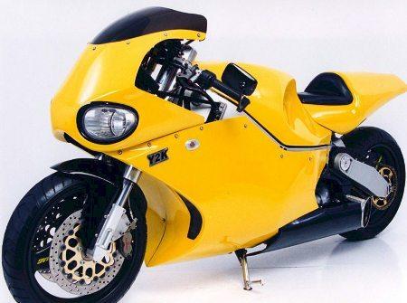 moto  Y2K amarela