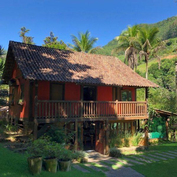 uma boa  casa no campo