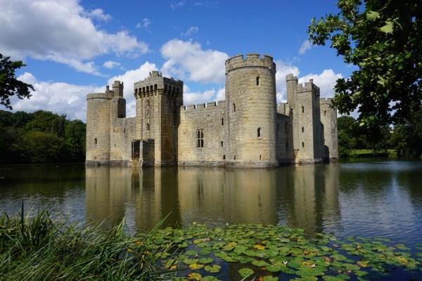 castelo medieval bem seguro
