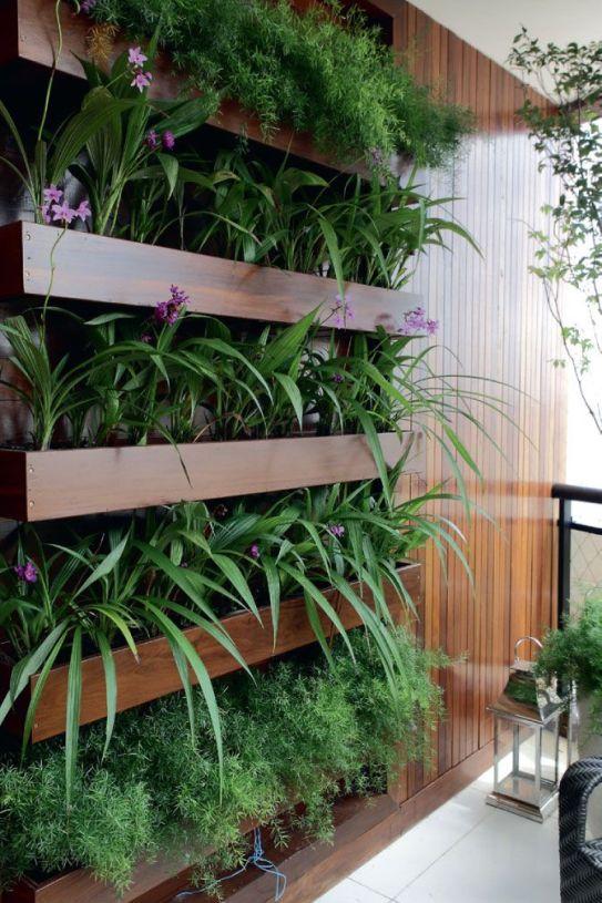 jardim com madeira caprichado
