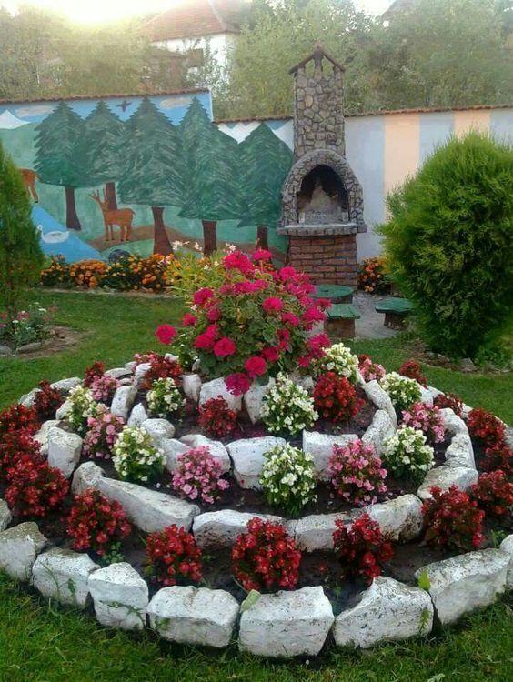 jardim com flores com pedras