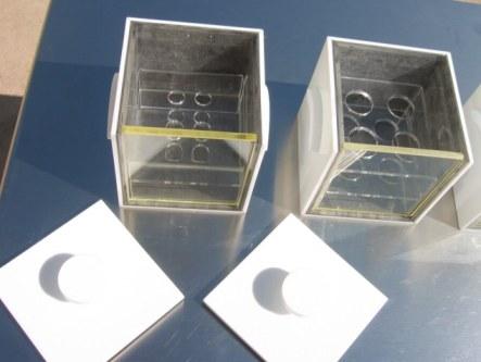 Cajas con gradillas paar Eppendorf y Falcon con cristal plomado