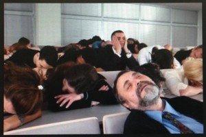 10 Maneras de Poner a Dormir a Tu Público (Y Cómo Evitarlas)