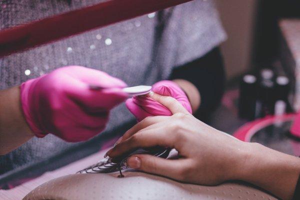 curso de técnicas estéticas para el embellecimiento y cuidado de las uñas
