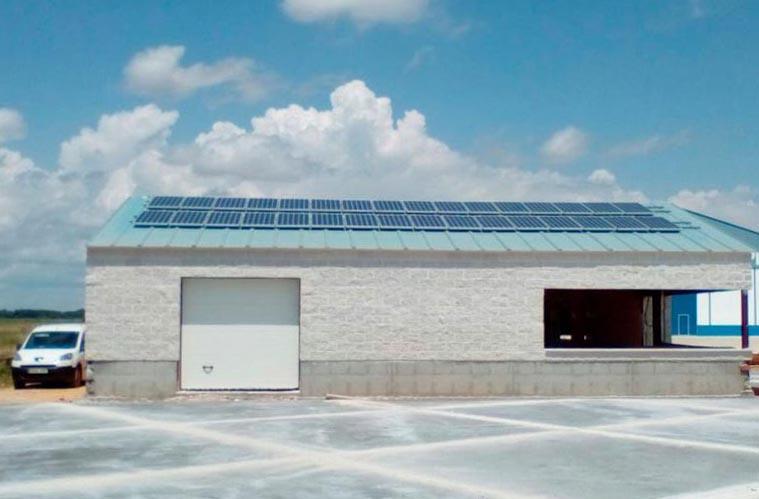 Industrial en «Saldaña» 10,5kWp 48v-1080Ah