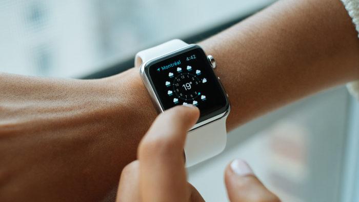 Apple Watch (Imagem: Luke Chesser/Unsplash)
