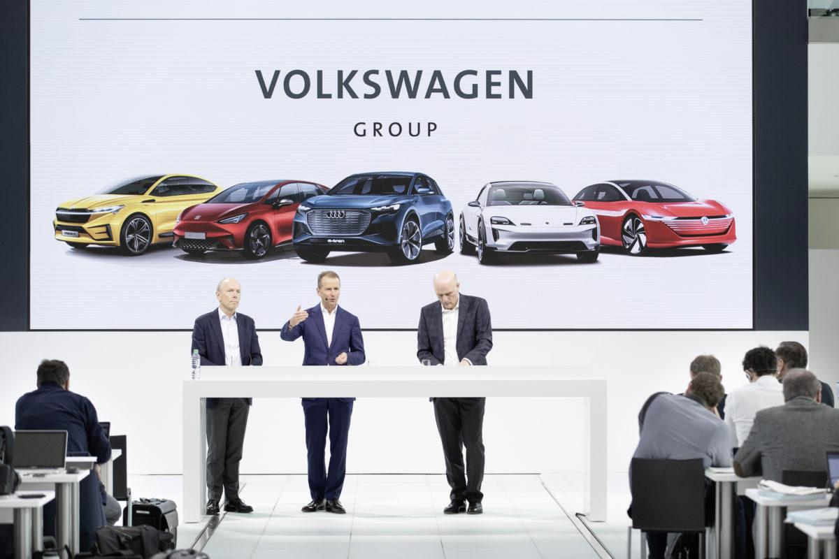 Assistenti alla guida, motori ibridi e una nuova era nella mobilità elettrica