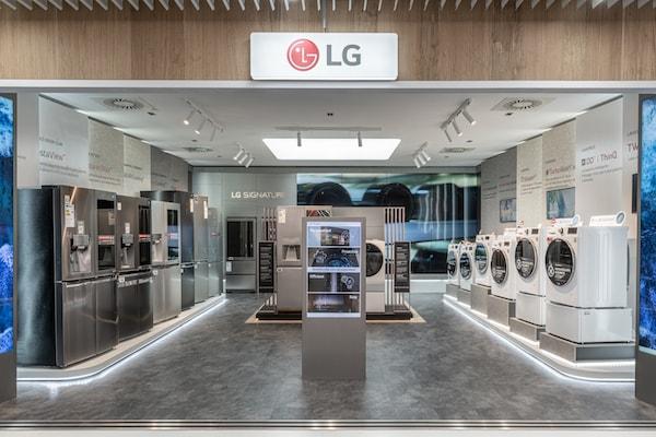 LG Velvet regala LG Dual Screen: la promozione per avere l'esclusivo accessorio