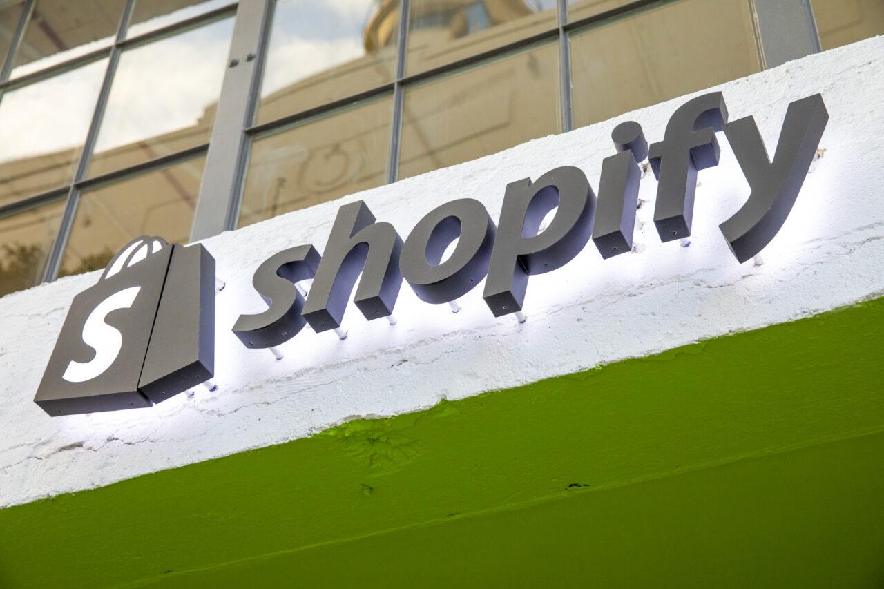 TikTok e Shopify si alleano in Italia