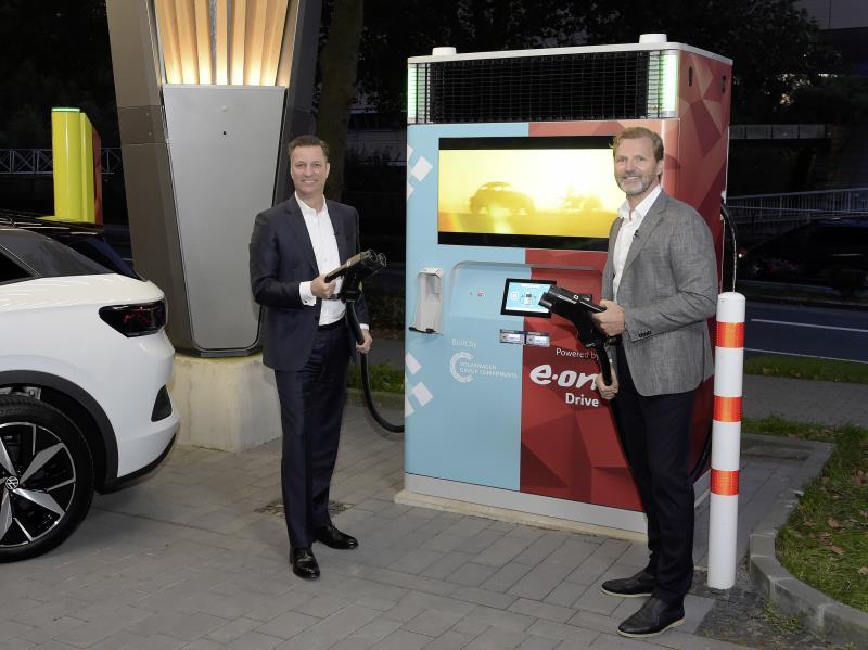 E.ON e Volkswagen: la stazione di ricarica rapida con batteria di accumulo