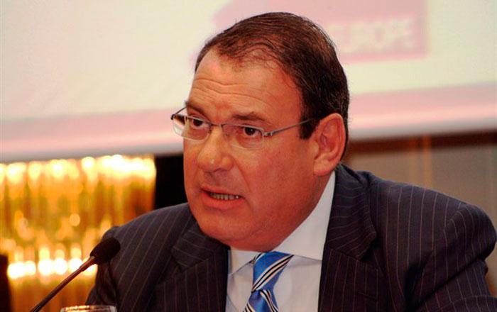 Juan Molas sustituye a Abel Matutes al frente de la Mesa de Turismo