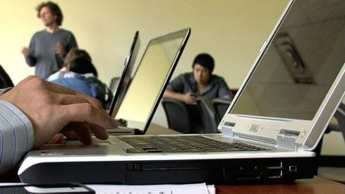 america-latina-en-lucha-contra-su-brecha-digital