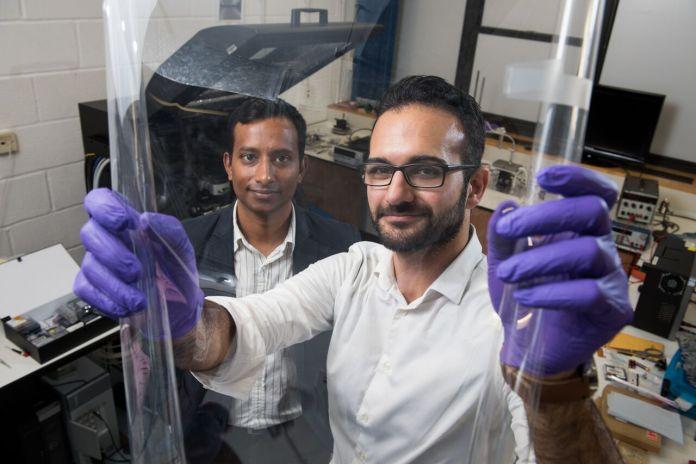 Tecnopia-Harish-and-Peiman-looking-through-materials-bodle-tech