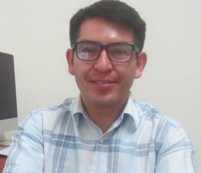 Dr. Néstor Mendoza.