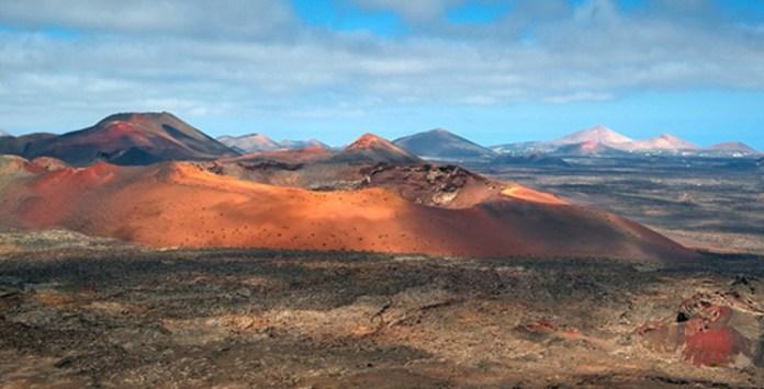 Los volcanes del Parque Nacional de Timanfaya (Lanzarote) recuerdan el paisaje rojizo de Marte. / Luc Viatour.
