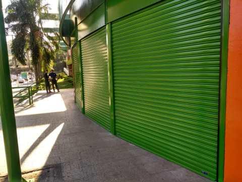 Porta de Enrolar Comercial