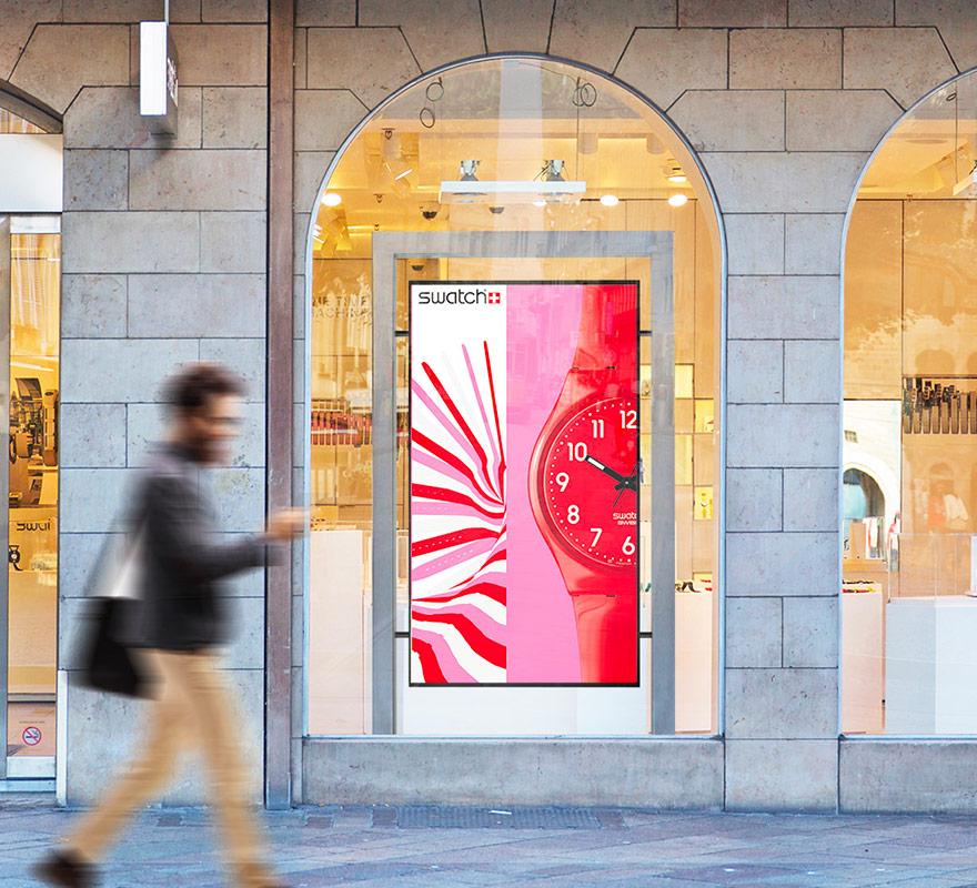Totem da vetrina display LCD alta luminosità design frame 75 o 55 pollici
