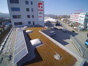 s'Drooni unterwegs im 2017 über Neuenhof (AG)