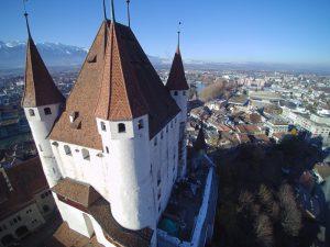 s'Drooni unterwegs im 2017 über Thun (BE)