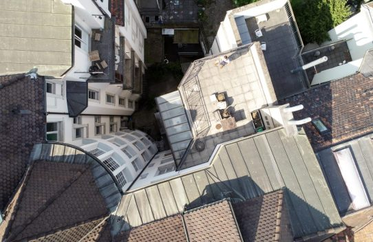 s'Drooni über Basel
