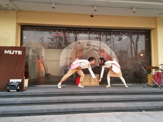 2015-01-25 thailand bangkok art market street theatre 1 small