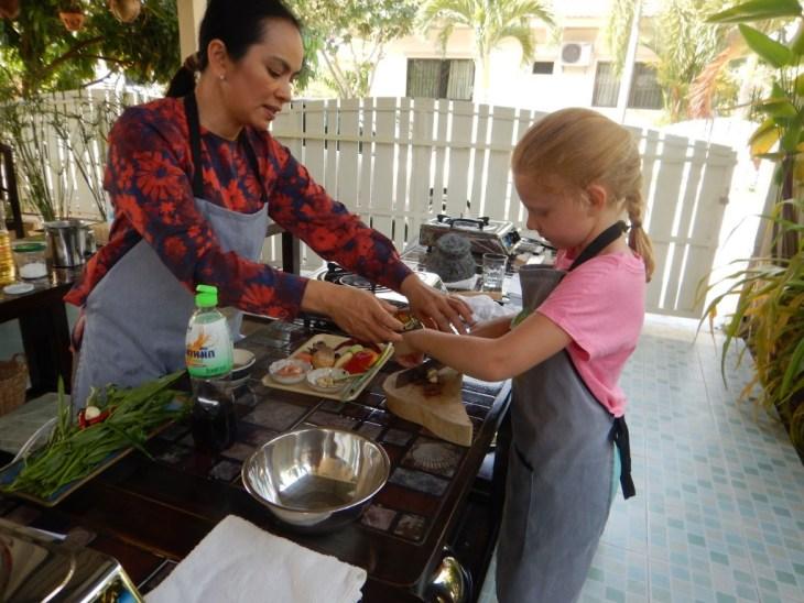 2015-02-21 thailand chiang mai cooking class elliotte A