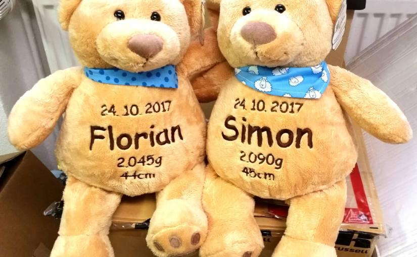 Viele lustige Teddys mit Namen und Geburtsdatum