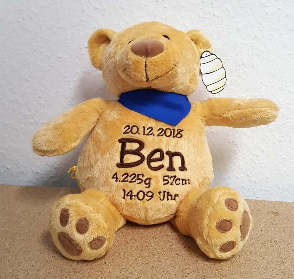 Kuscheltier Teddy Ben mit Namen und Geburtsdaten