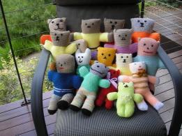 from Sunshine Coast knitters via Buddies :)