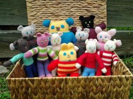 more teddies from Wendy of Highgate Hill :D